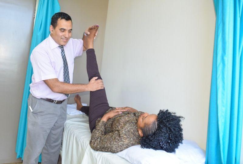 total knee replacement surgery in Kenya, Nairobi spine and orthopaedic surgeon in Kenya